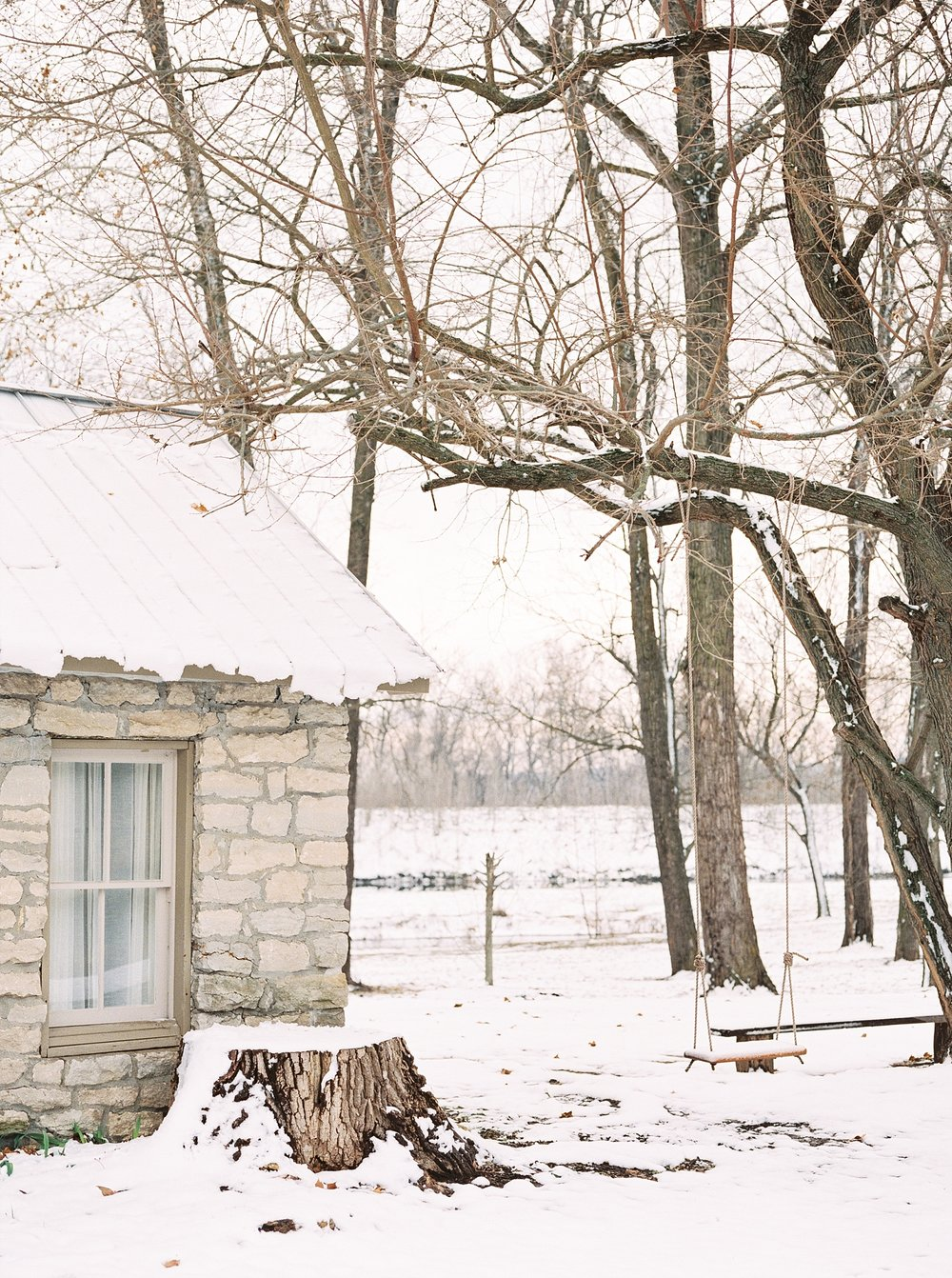 Snowy Winter Wedding at Wildcliff Events Lake With Earthy Jewel Tones and Organic Refined Style by Kelsi Kliethermes Photography Kansas City Missouri Wedding Photographer_0124.jpg