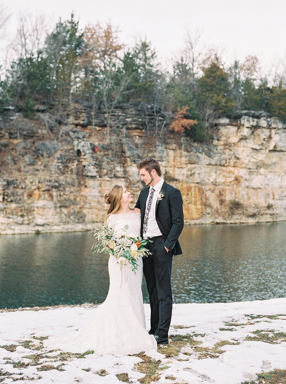 Snowy Winter Wedding at Wildcliff Events Lake With Earthy Jewel Tones and Organic Refined Style by Kelsi Kliethermes Photography Kansas City Missouri Wedding Photographer_0133.jpg
