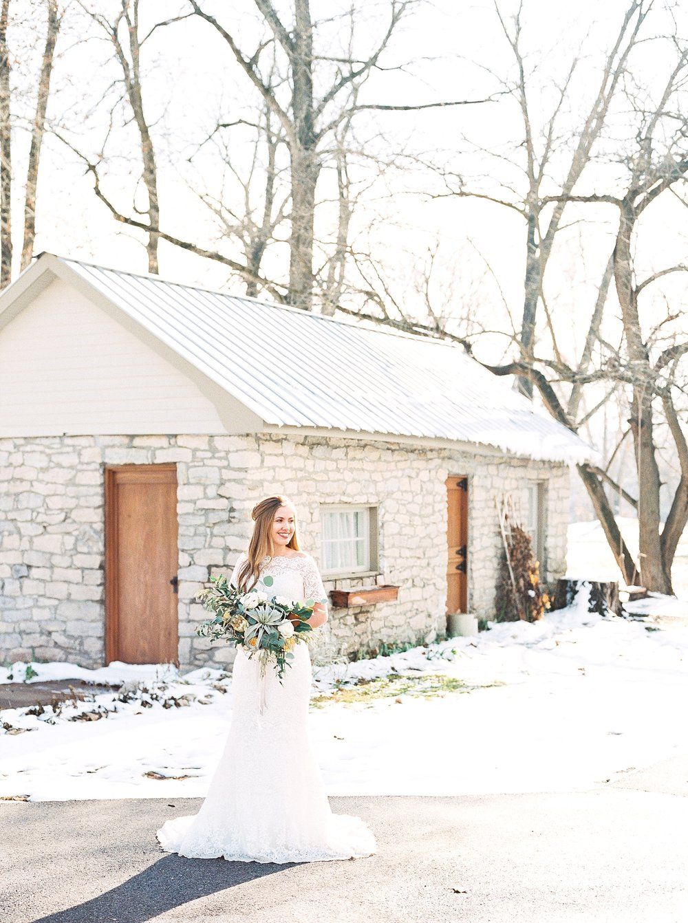 Snowy Winter Wedding at Wildcliff Events Lake With Earthy Jewel Tones and Organic Refined Style by Kelsi Kliethermes Photography Kansas City Missouri Wedding Photographer_0140.jpg