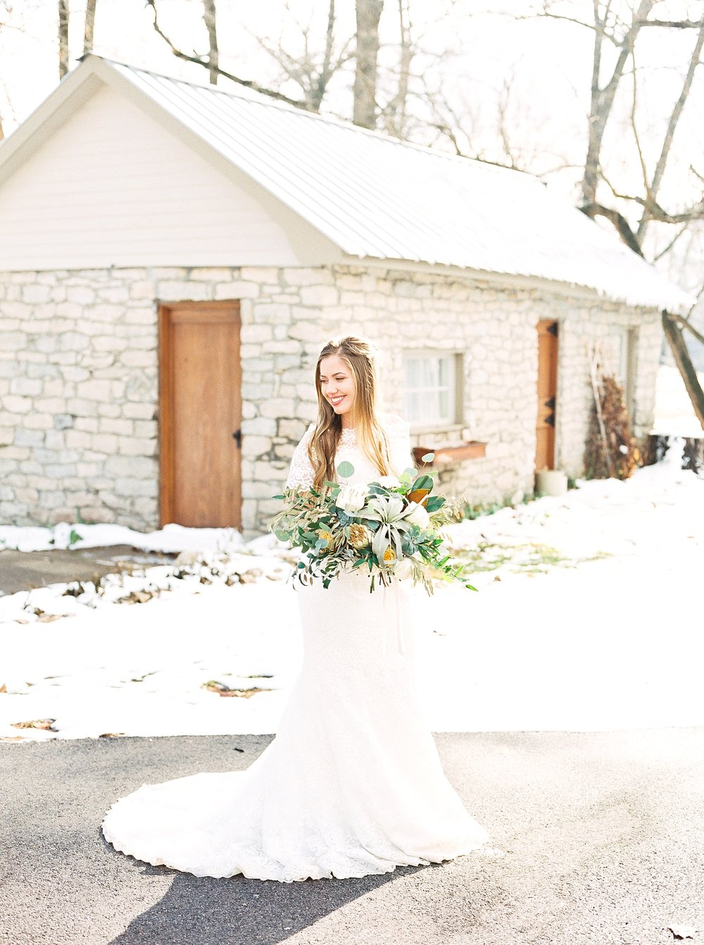 Snowy Winter Wedding at Wildcliff Events Lake With Earthy Jewel Tones and Organic Refined Style by Kelsi Kliethermes Photography Kansas City Missouri Wedding Photographer_0142.jpg