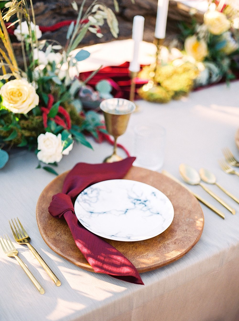 Snowy Winter Wedding at Wildcliff Events Lake With Earthy Jewel Tones and Organic Refined Style by Kelsi Kliethermes Photography Kansas City Missouri Wedding Photographer_0156.jpg
