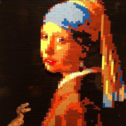 Nathan Sawaya,  Lego Girl With a Pearl Earring. Original painting by Johannes Vermeer.