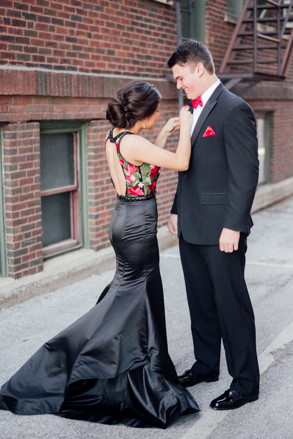 evelyn and quinn muscatine prom pictures-2.jpg