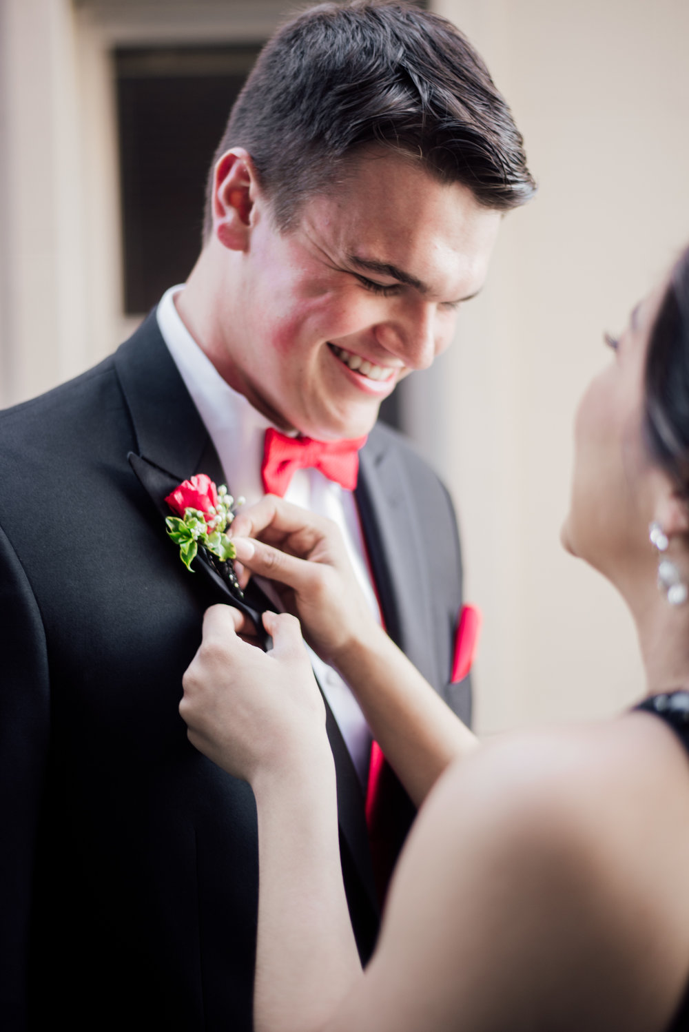 evelyn and quinn muscatine prom pictures-3.jpg