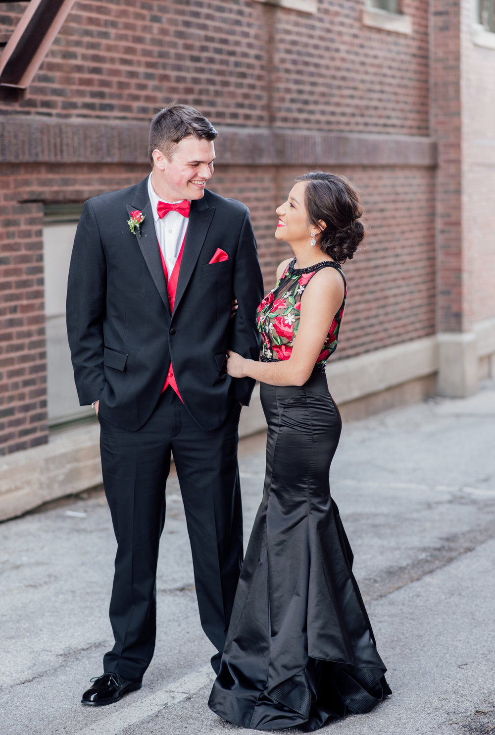 evelyn and quinn muscatine prom pictures-6.jpg