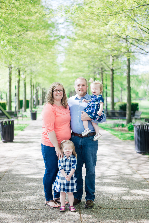 Rhine Family pictures at Vander Veer park in Davenport Iowa