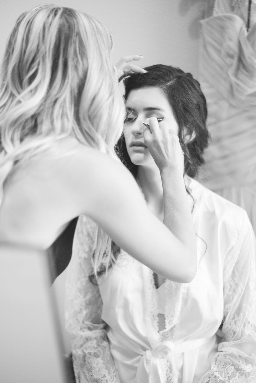 iowa wedding photographer - getting ready - wisconsin wedding-6.jpg