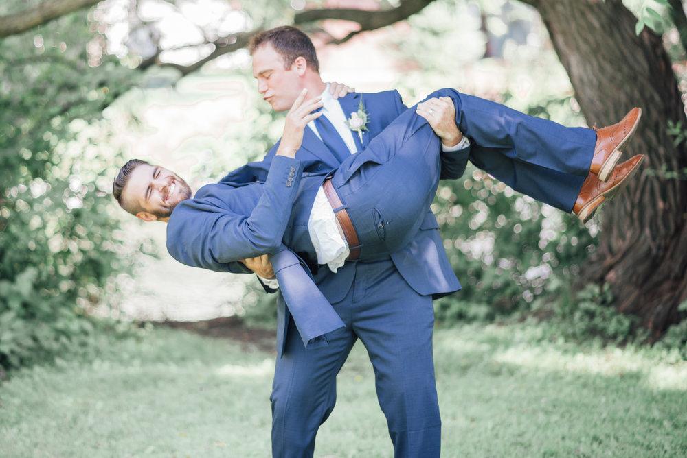 iowa wedding photographer - bridal party - wisconsin wedding-7.jpg