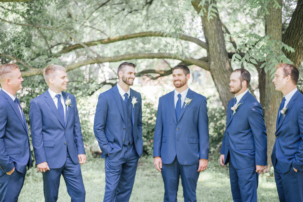 iowa wedding photographer - bridal party - wisconsin wedding-3.jpg