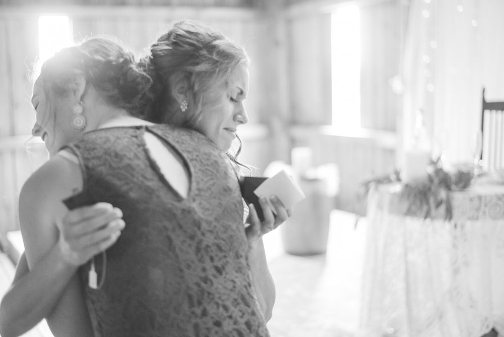 1 iowa wedding photographer - country barn wedding4.jpg
