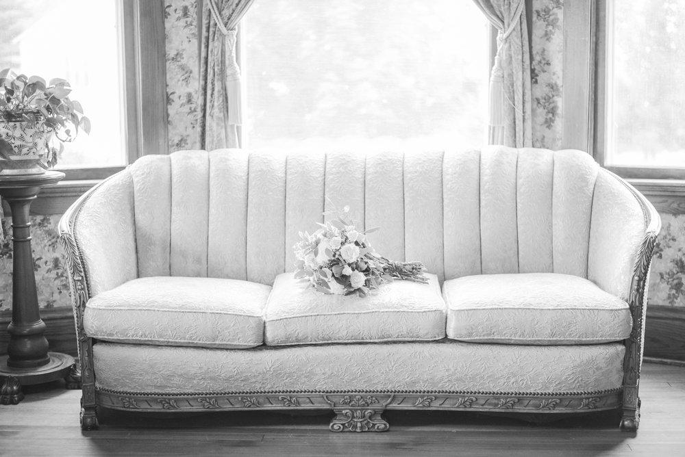 2 iowa wedding photographer - country barn wedding3.jpg