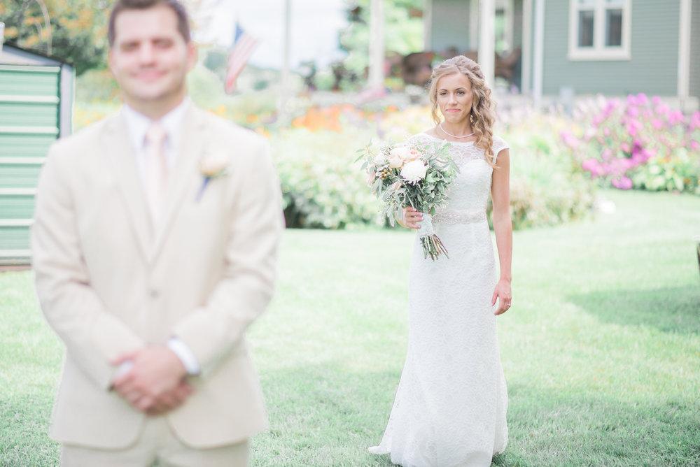 3 iowa wedding photographer - country barn wedding2.jpg