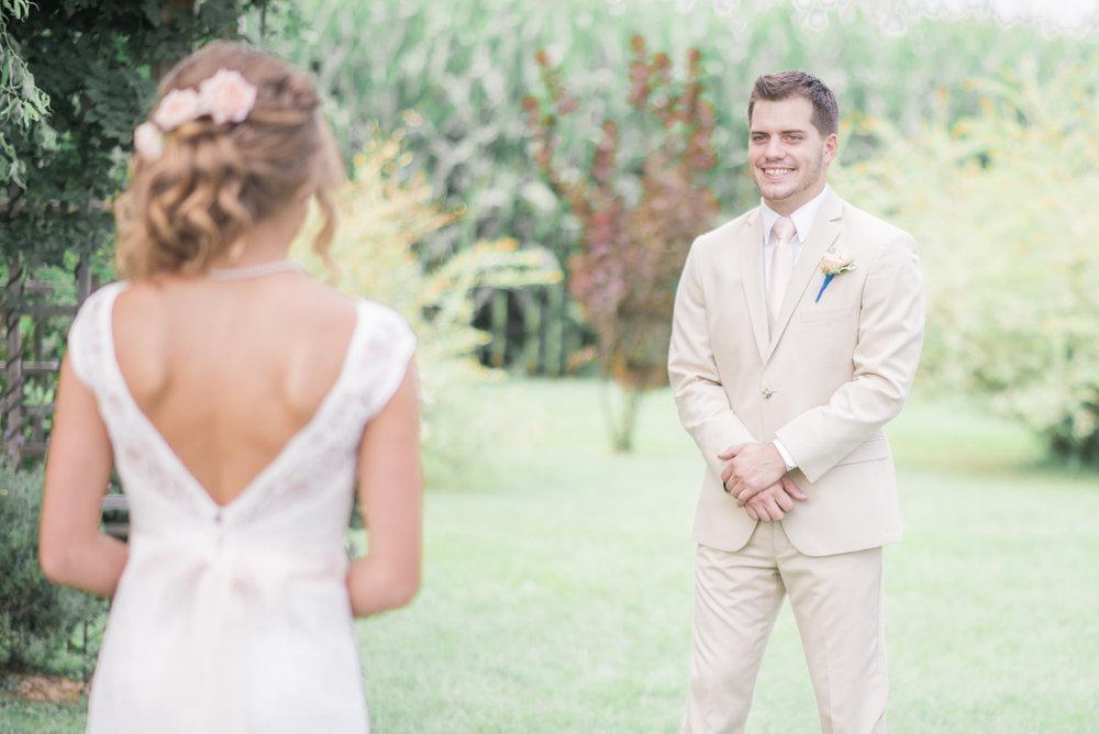 3 iowa wedding photographer - country barn wedding3.jpg