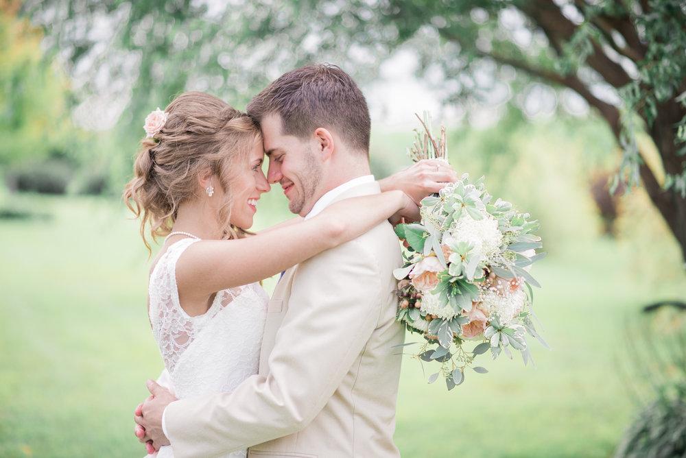 3 iowa wedding photographer - country barn wedding6.jpg