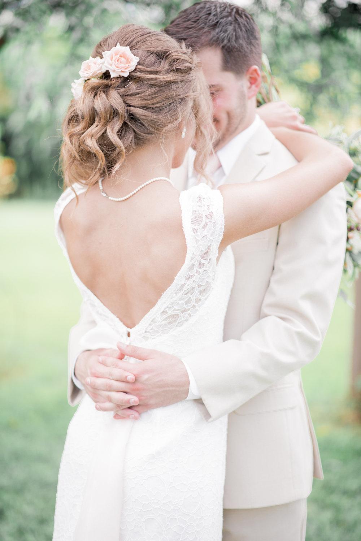 3 iowa wedding photographer - country barn wedding7.jpg