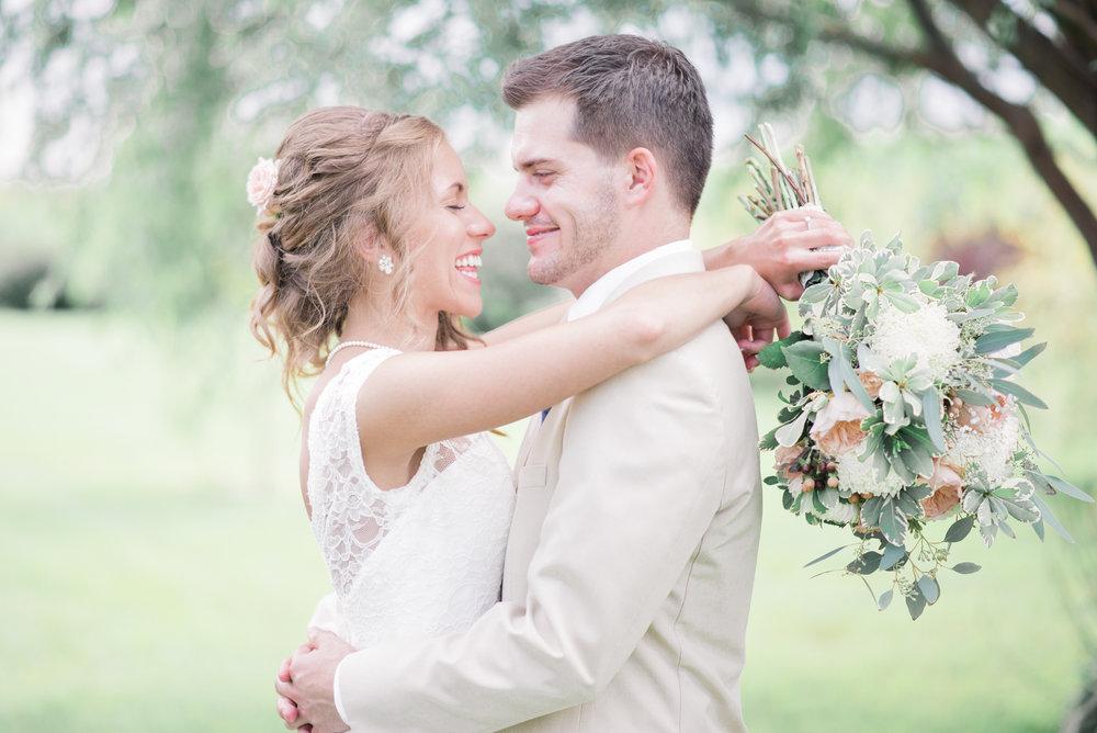3 iowa wedding photographer - country barn wedding10.jpg