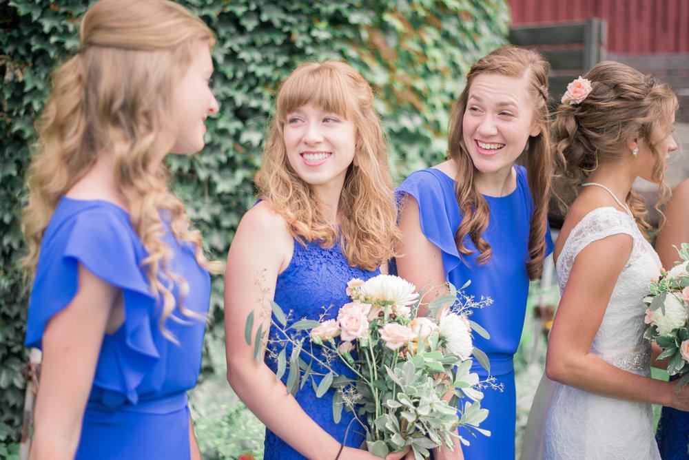 4 iowa wedding photographer - country barn wedding3.jpg