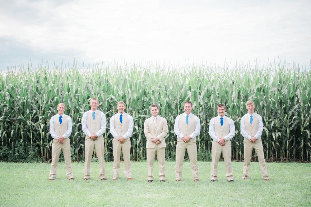 4 iowa wedding photographer - country barn wedding7.jpg