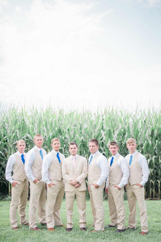 4 iowa wedding photographer - country barn wedding8.jpg