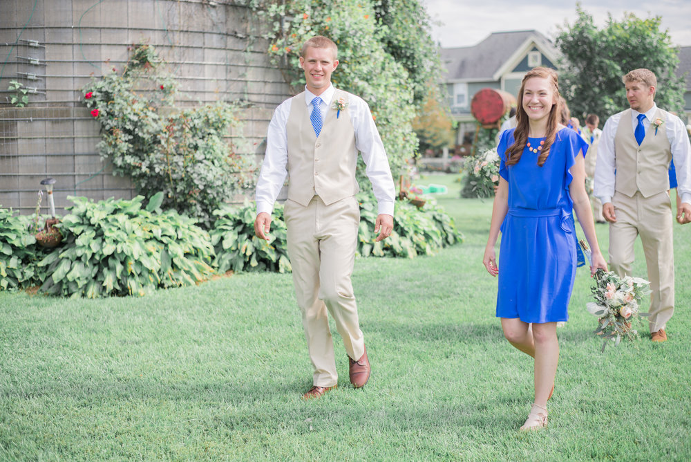 4 iowa wedding photographer - country barn wedding9.jpg