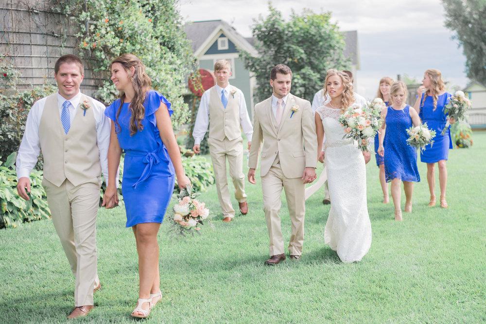 4 iowa wedding photographer - country barn wedding10.jpg
