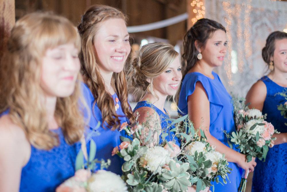 5 iowa wedding photographer - country barn wedding3.jpg
