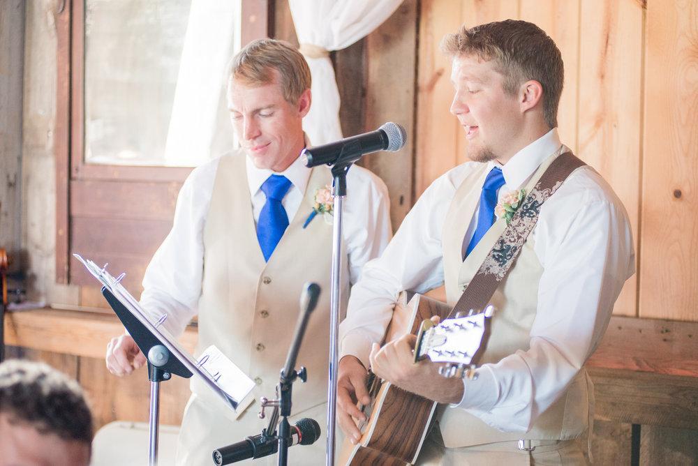 5 iowa wedding photographer - country barn wedding7.jpg