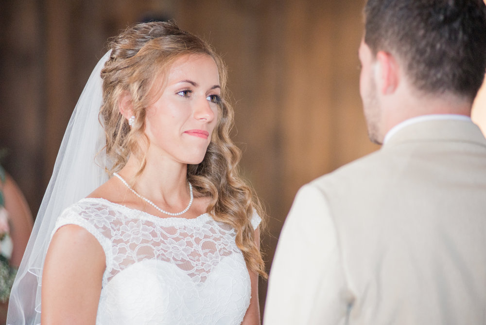5 iowa wedding photographer - country barn wedding9.jpg