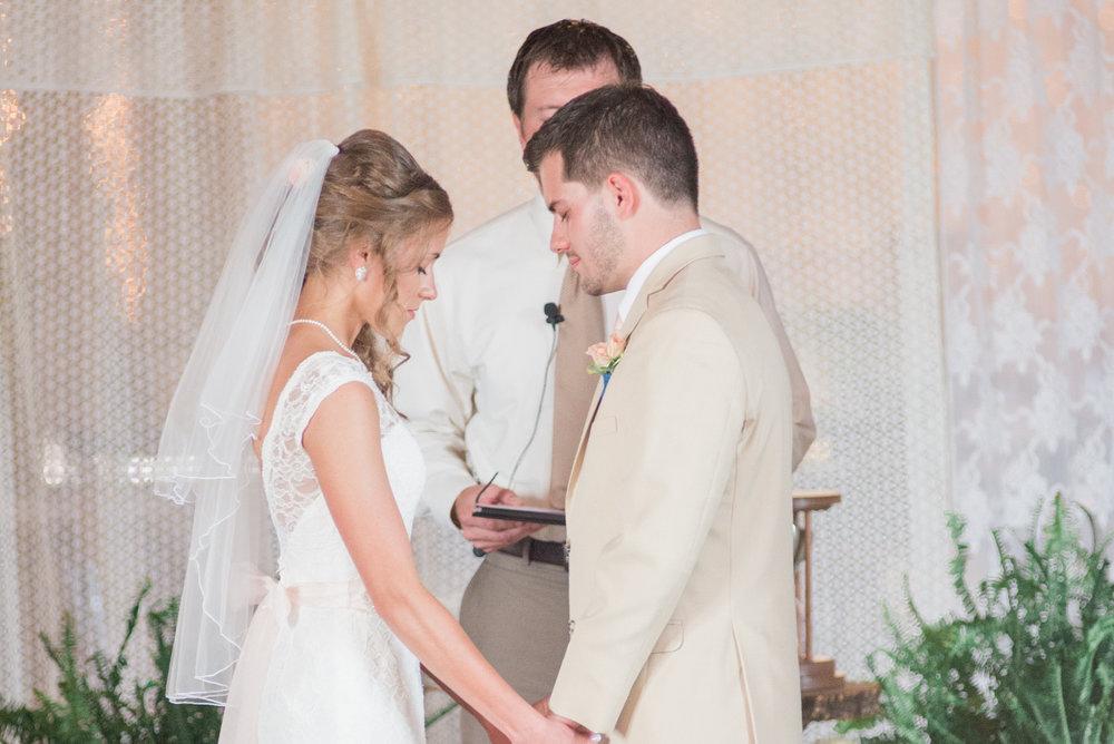 5 iowa wedding photographer - country barn wedding10.jpg