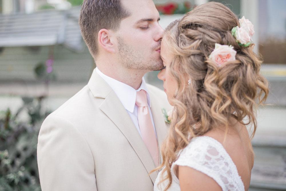 6 iowa wedding photographer - country barn wedding4.jpg