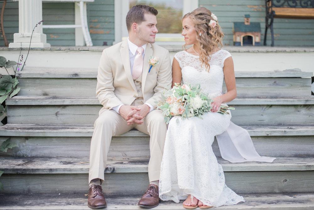 6 iowa wedding photographer - country barn wedding5.jpg