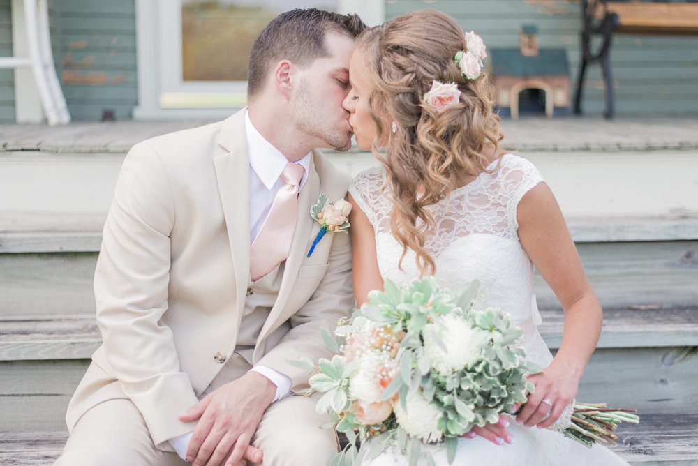 6 iowa wedding photographer - country barn wedding6.jpg