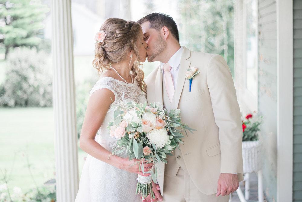 6 iowa wedding photographer - country barn wedding9.jpg