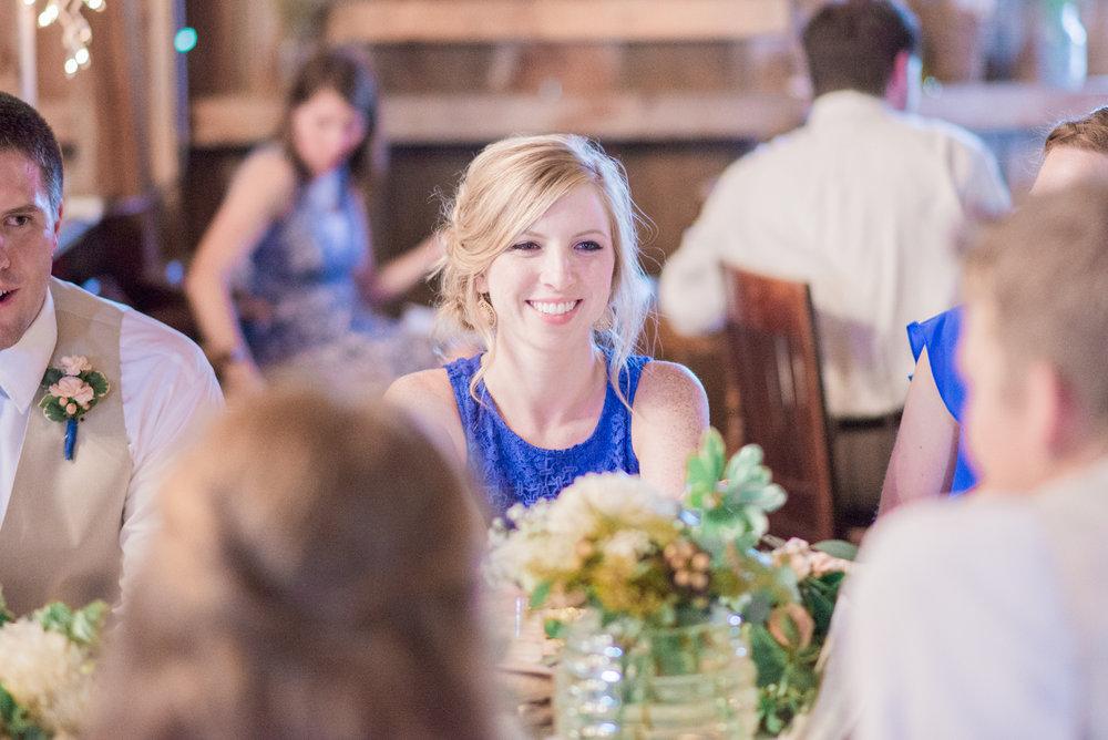 8 iowa wedding photographer - country barn wedding3.jpg