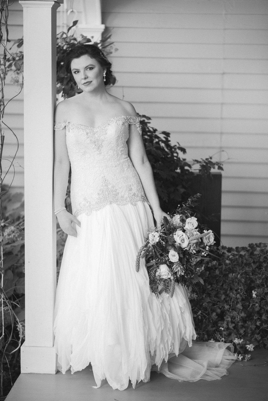 4 backyard wedding - iowa wedding photographer-13.jpg