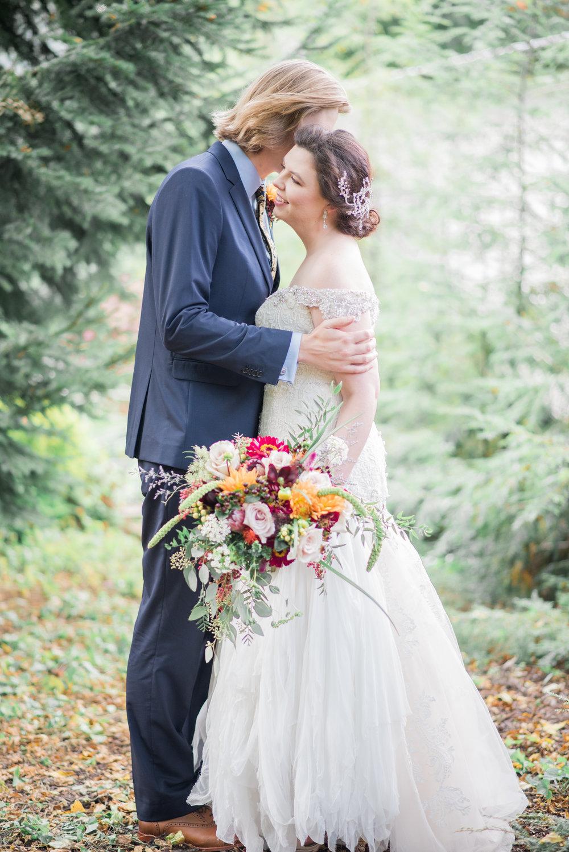 4 backyard wedding - iowa wedding photographer-47.jpg