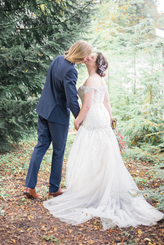 4 backyard wedding - iowa wedding photographer-54.jpg