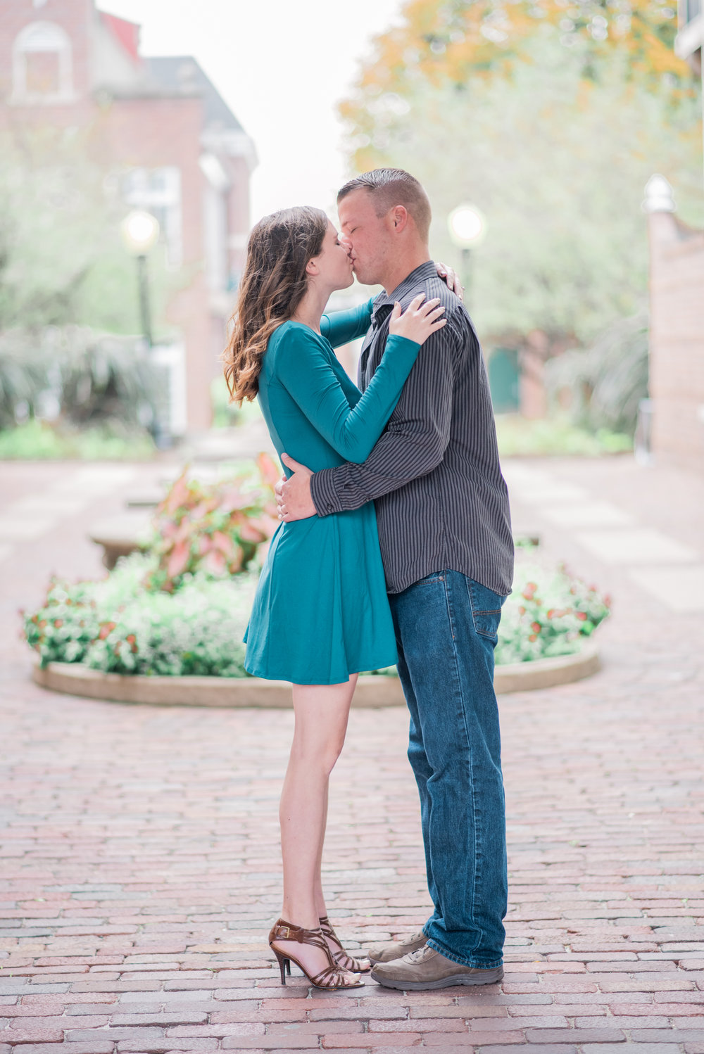 pella iowa engagement - iowa wedding photographer_.jpg