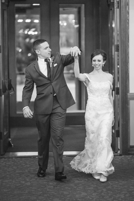 5 iowa wedding photographer - illinois wedding_-8.jpg