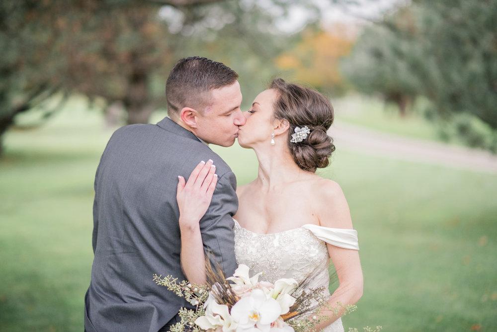 iowa wedding photographer - illinois wedding_-30.jpg