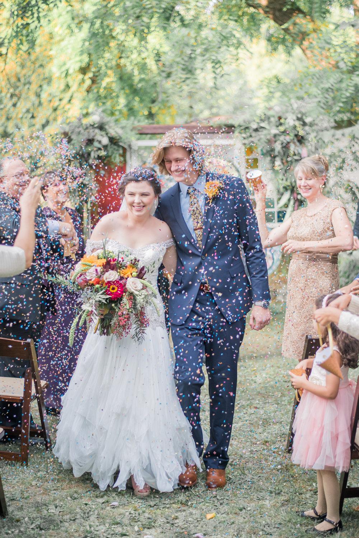 5 backyard wedding - iowa wedding photographer-15.jpg