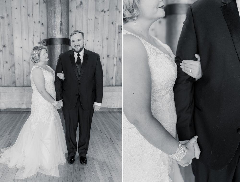 watch tower lodge wedding pictures - iowa wedding photographer 12.jpg