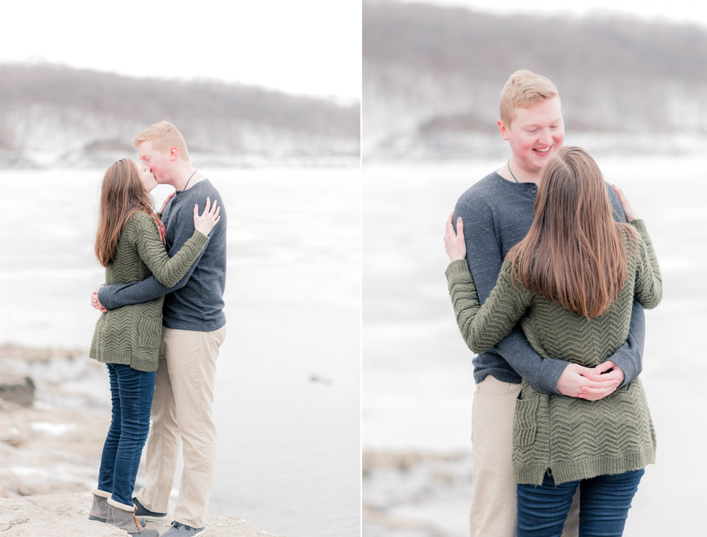 carolyn and ian engagement pictures - iowa wedding photographer4.jpg