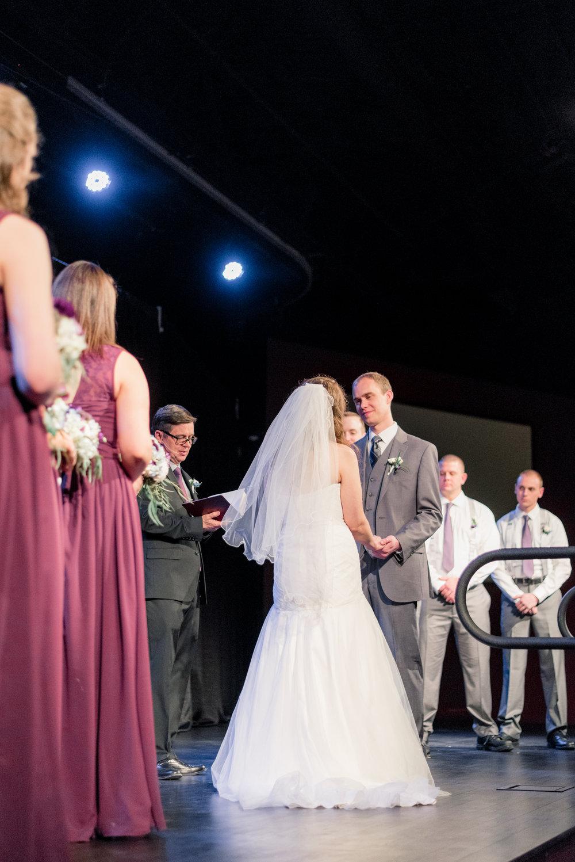 ceremony - iowa wedding photographer - muscatine wedding pictures_-7.jpg