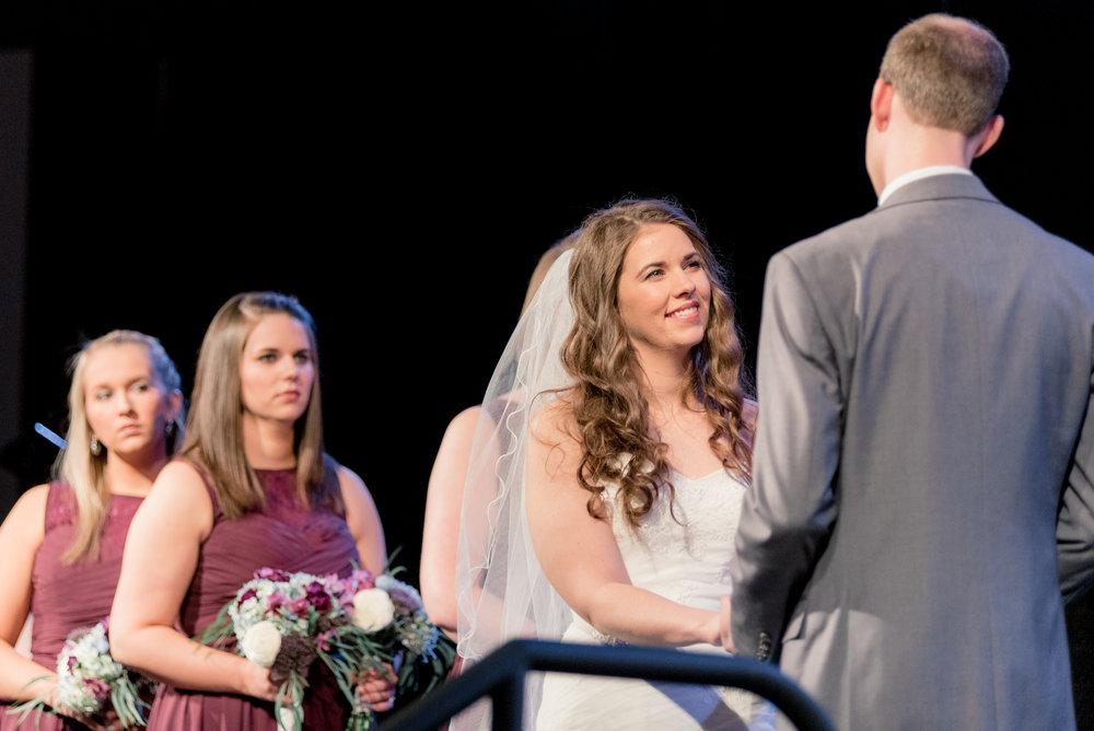 ceremony - iowa wedding photographer - muscatine wedding pictures_-8.jpg