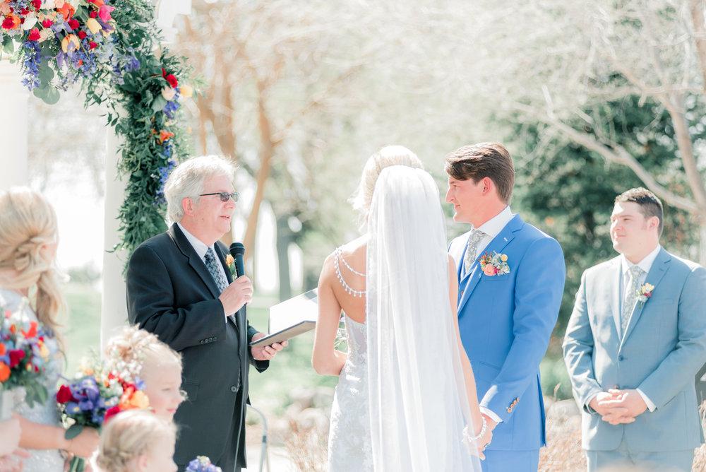 3 iowa wedding photographer - country club wedding pictures-10.jpg