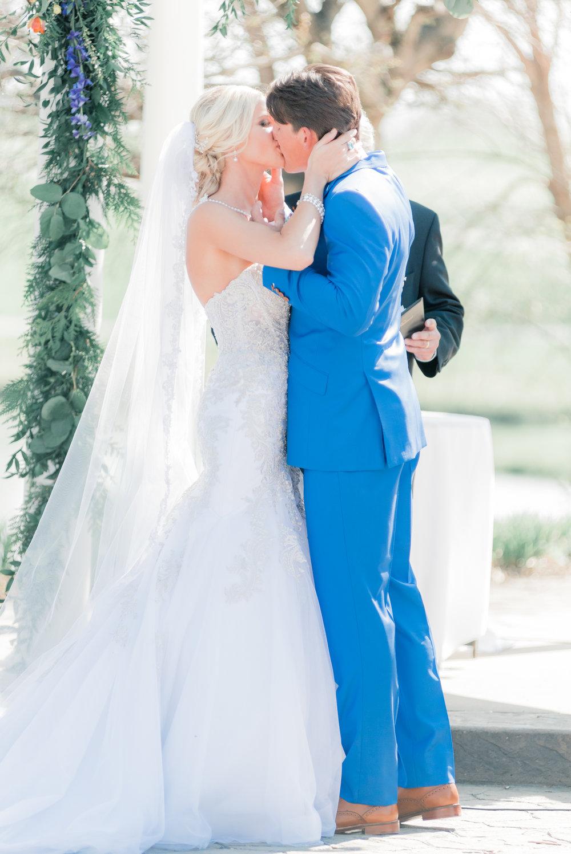 3 iowa wedding photographer - country club wedding pictures-21.jpg