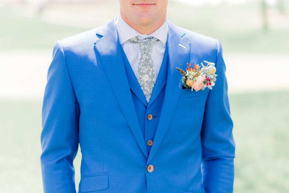 4 iowa wedding photographer - country club wedding pictures-2.jpg