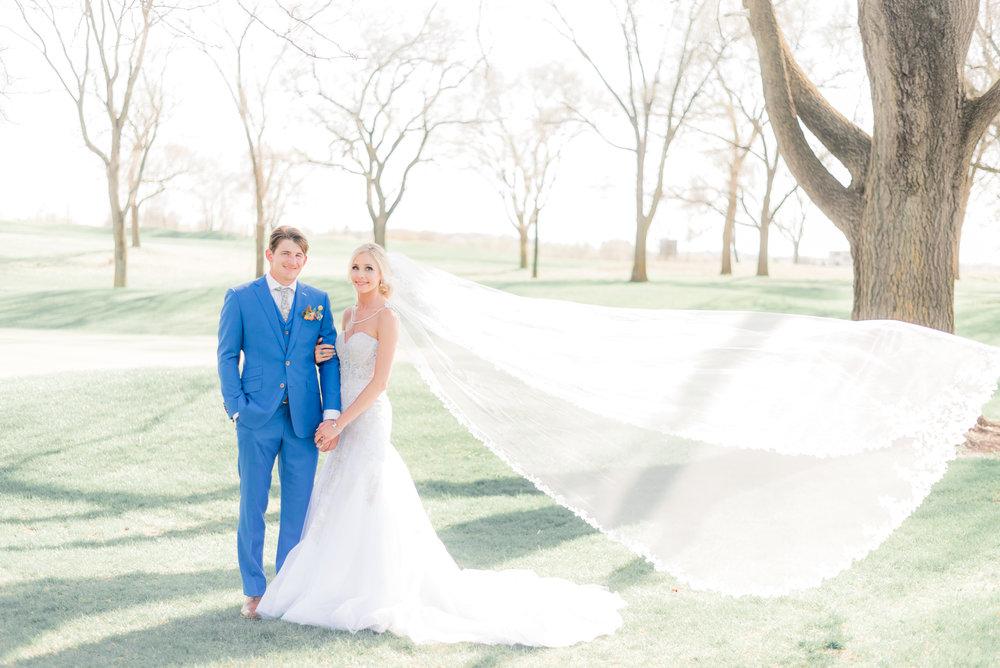 4 iowa wedding photographer - country club wedding pictures-27.jpg
