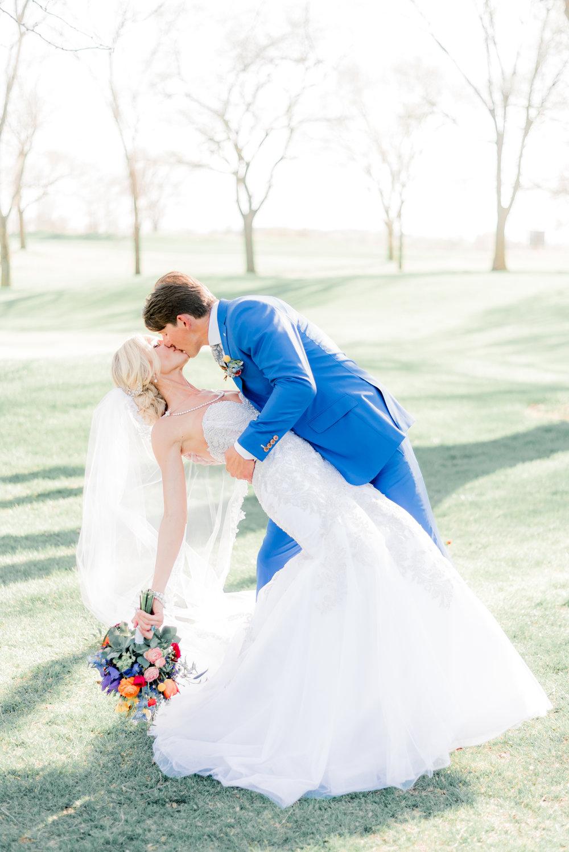 4 iowa wedding photographer - country club wedding pictures-35.jpg